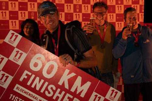 Finishers 60km 11strandentocht in de avond