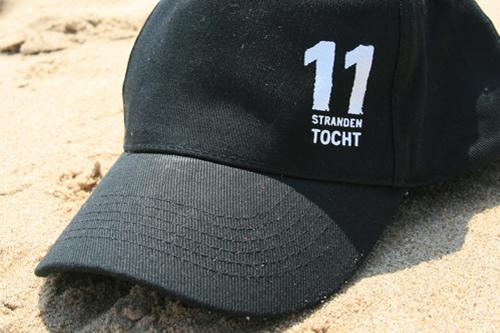 Pet van 11strandentocht op het strand