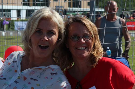 Irene Moors en Anette van de Panne van SamenLoop voor Hoop Hillegom