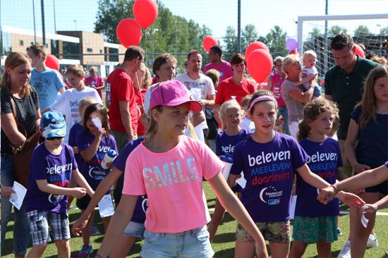 Kind loopt mee met SamenLoop voor Hoop in Hillegom